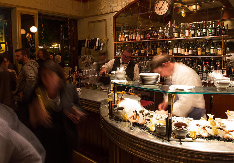 Bouchon Yountville oyster bar